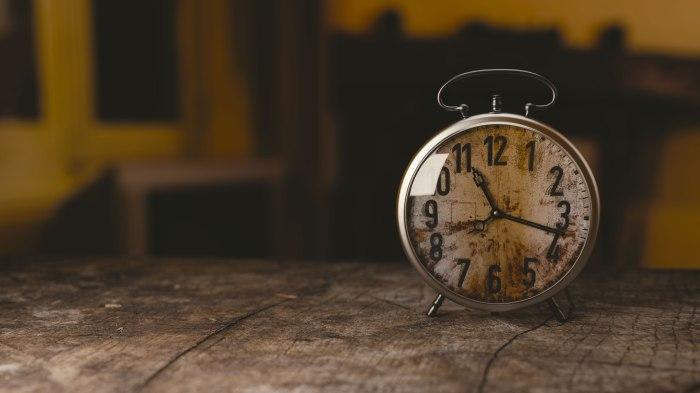wood-clock