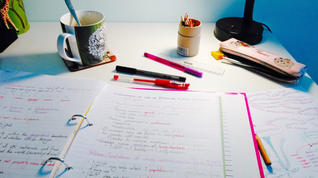 colourful-desk-working