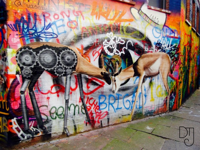 deer-graffiti